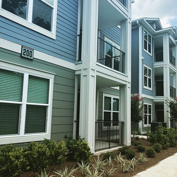 We are welcoming our first residents into building 200 TODAY!! Looking for a 1 or 2 bedroom?? We have just a few left available for move in NOW!! #atlanticatgrandoaks #grandnewliving #charlestonsc #apartments #newconstruction #nowleasing #livewestoftheashley
